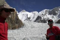 Blick vom Basislager auf den Baltoro-Gletscher