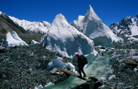 Andreas Seiler auf dem Weg ins Basislager des Gasherbrum